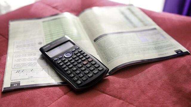MIniräknare och pappersdeklaration